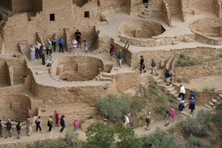 Mesa Verde je dnes turistickou atrakcí