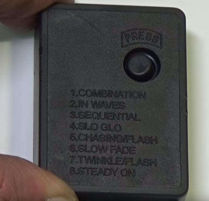 коробочка блока управления с режимами работы светодиодной гирлянды