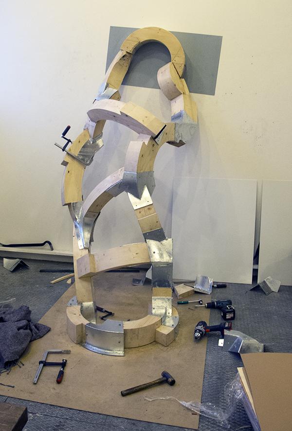 Skulpturer i træ og jern