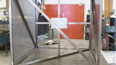 Jan S. Hansens stålkube i metalværkstedet
