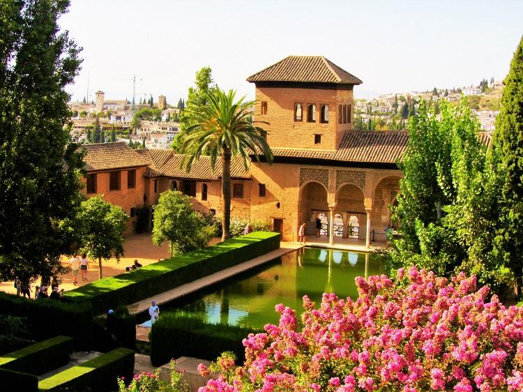 Alhambra - Courtyard