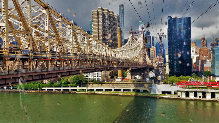 USA - New York - Roosevelt Island Tram 2