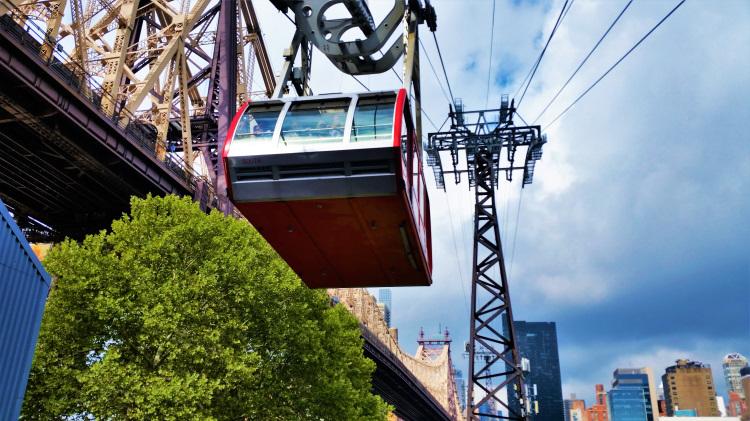 USA - New York - Roosevelt Island Tram POTD