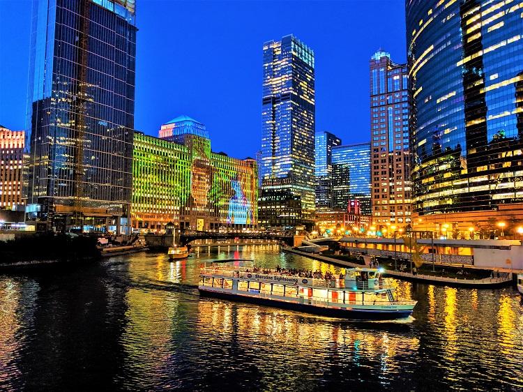 Chicago's river walk POTD