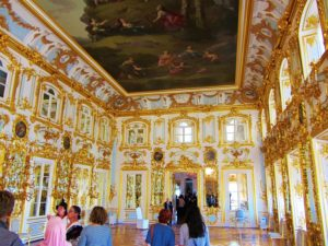 russia-st-petersburg-3-peterhof-interior