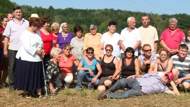 Teslic 04 Slika za uspomenu iz rodnog sela foto Mitar Gacic