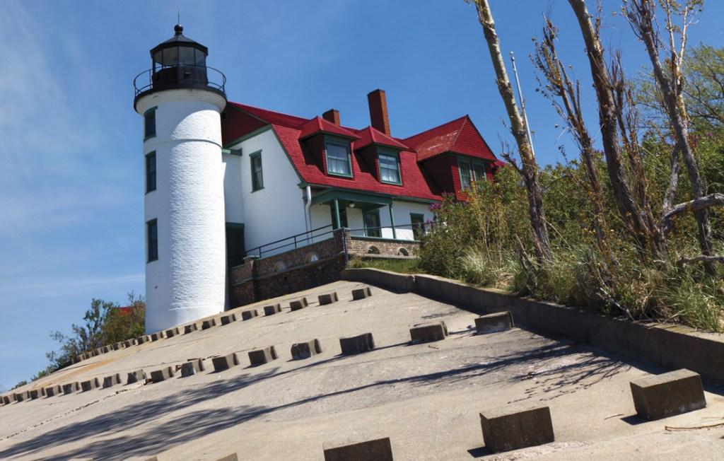 GLBD_LighthouseH