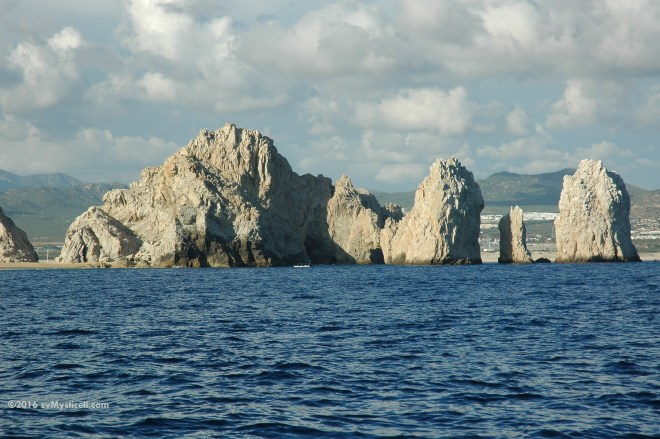 The famous rocks of Cabo San Lucas.