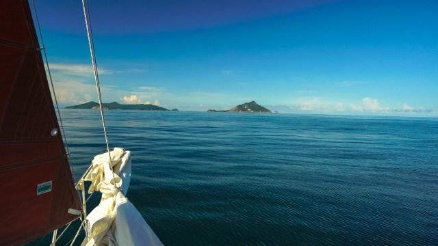 Coming up to Isla Bona and Isla Otoque