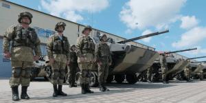 В военном городке в Ставрополе состоялась церемония вручения техники