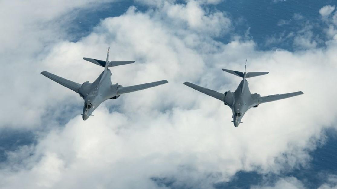 У границ России над Литвой пролетели американские бомбардировщики B-1B
