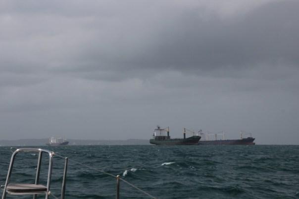 We naderen de ingang van het Panama kanaal aan de Colon zijde