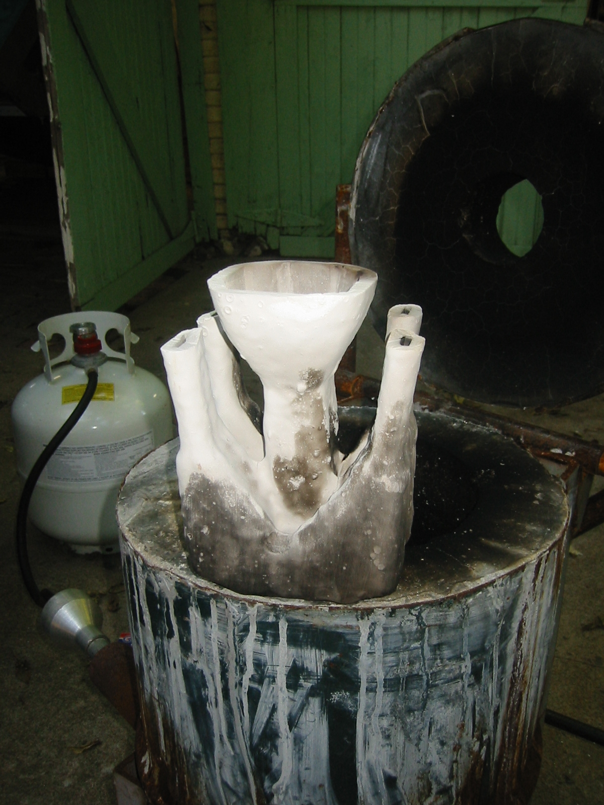 (3) The mold has be fired in the foundry after the foam was dissolved with acetone.