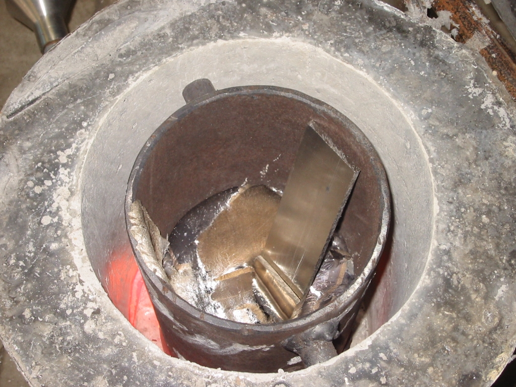 (9) Additional pieces of scrap aluminum can safely be added as long as they are dry.