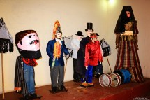 #Leon_Museo puppet5