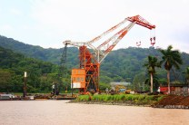 #Panama Canal_Cranes midway