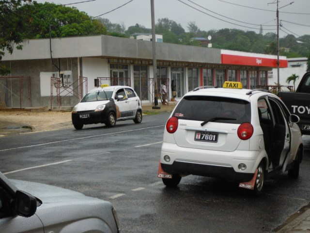Hundreds of tiny taxis in Luganville (photo courtesy of 4onaboat)