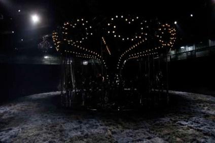 Louis Vuitton S14 show decor (4)