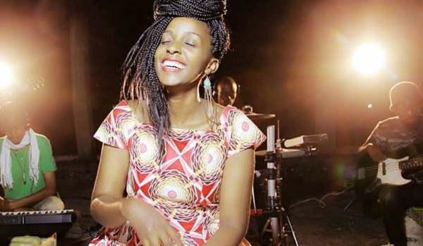 Swahili media|Vestine ajinyakulia  ISANGANIRO AWARD awamu ya 6