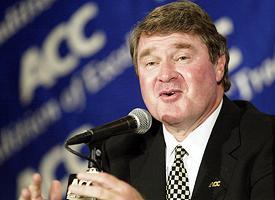 recentemente o cordenador do BCS, John Swofford, rejeitou uma mudança para o formato de playoffs