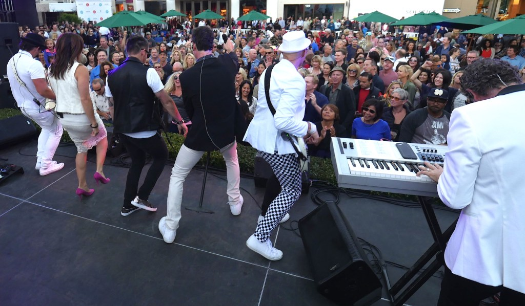 Tainted Love Broadway Plaza August 2016