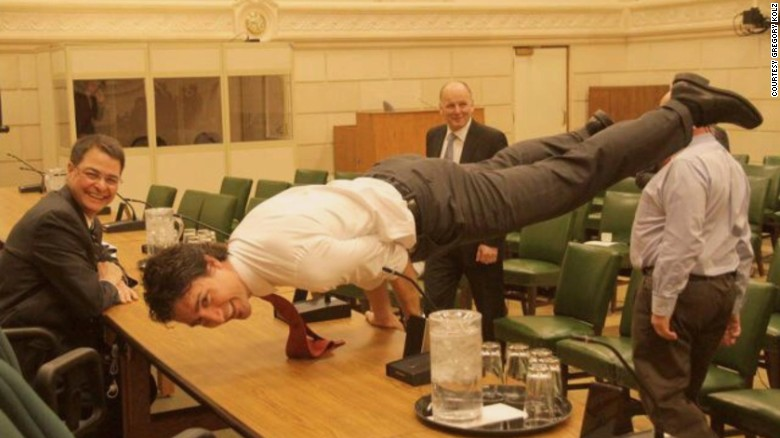 160330112140-justin-trudeau-yoga-large-exlarge-169