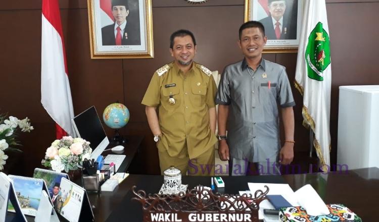 Ketua DPW Gelora Kaltim Hadi Mulyadi bersama Ketua DPC Gelora Kabupaten Mahakam Ulu