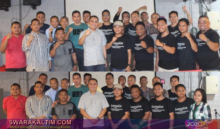 Kapolres Kubar AKBP Roy Satya Putra bersama wartawan Asosiasi Jurnalis Kutai Barat