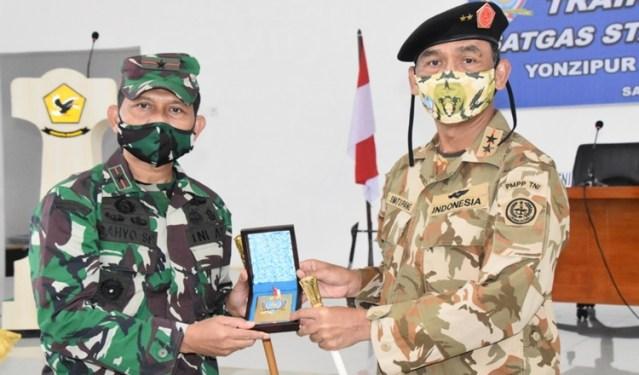 Mayjen TNI Victor Buka Training di Makroman