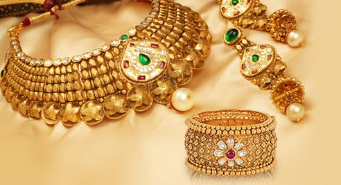 Wear a Regal look with Traditional Bengali Bridal Jewelry