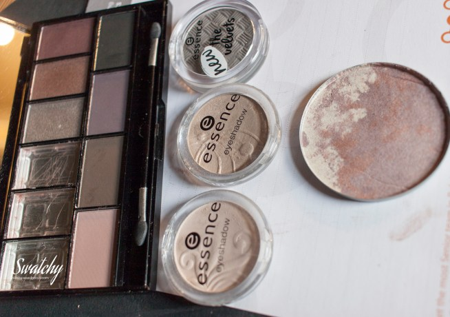 I put the three eyeshadows I broke all in one large pan.