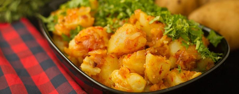 Chilli garlic Potatoes - Lahsooni Aloo
