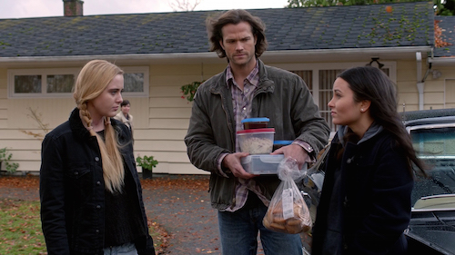 https://i1.wp.com/sweatpantsandcoffee.com/wp-content/uploads/2016/02/10-Supernatural-Season-Eleven-Episode-Twelve-SPN-S11E12-Forget-About-Me-Sam-Winchester-Claire-Novak-Alex-Jones-Jared-Padalecki-Kathryn-Love-Newton-Katherine-Ramdeen.jpg?resize=500%2C281