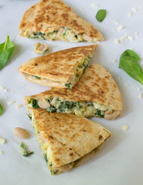 How-to-make-and-freeze-breakfast-quesadillas.-The-perfect-back-to-school-breakfast-for-busy-mornings-600x773