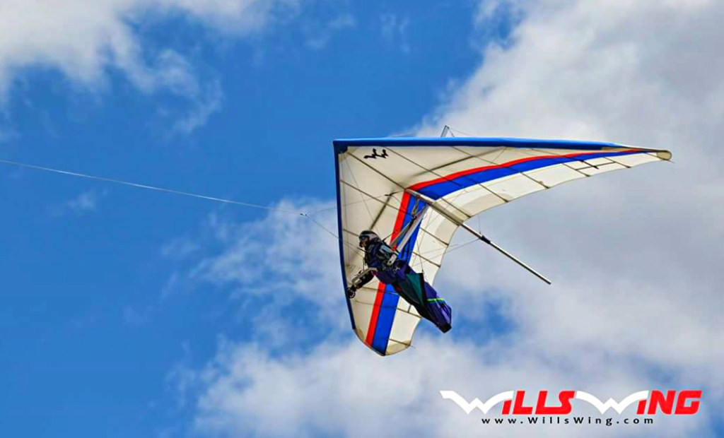Launching from Palmyra Airport in Wisconsin on the first day of Midwest 2017 Hang Gliding Championship. Photo: Dave Aldrich / Wills Wing, 2017.