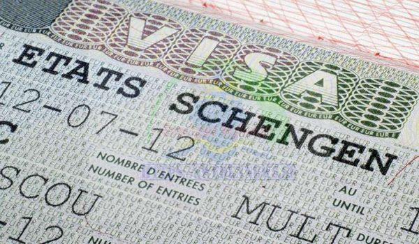 الدخول والإقامة في السويد، بغرض العمل أو السياحة أو لزيارة الأقارب والأصدقاء