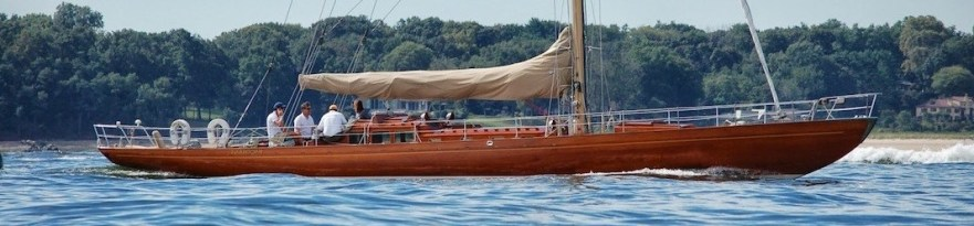 75 sqm Bacchant of 1936 with stepped deckhouse © Classicsailboats.org