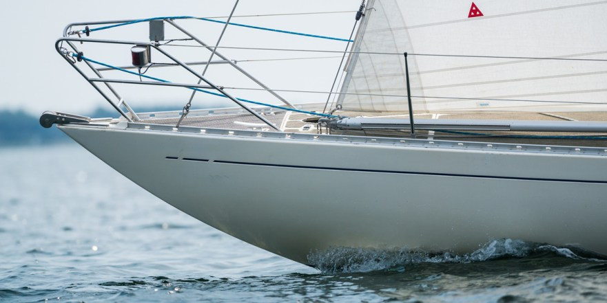 Custom made electropolised 316 steel Swede 55 bow fitting © Sören Hese/Swedesail