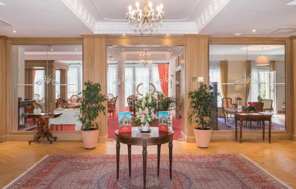 Le hall d'accueil de la Villa Medicis Puteaux, une résidence services senior