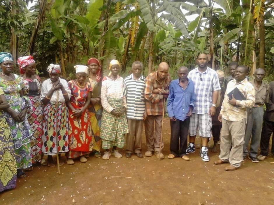 ABES Photo de famille avec le seniors de Kavumo