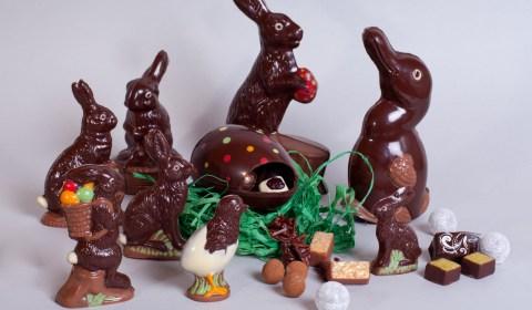 Die Osterhasenfamilie: Hasen, Enten, Küken. Vegan und von Hand gemacht.