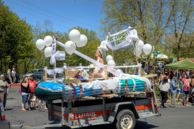 New Paltz Boat Parade - Sweet and Savoring