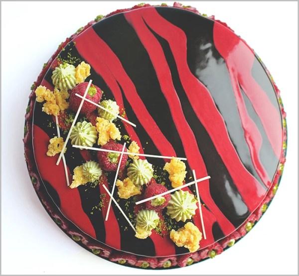 Raspberry And Pistachio Cake - Siempre