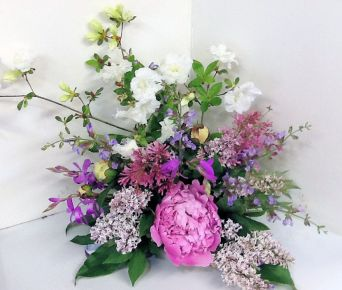 Picked from the Sweetbay Gardens for this early spring wedding bouquet