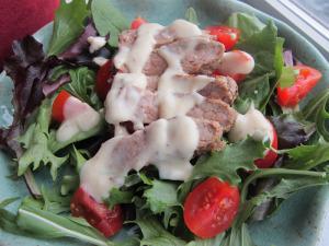 Bistro Steak Salad with Creamy Peppercorn Dressing