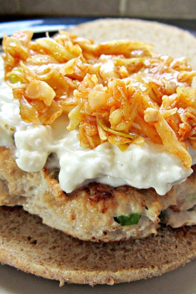 Sammich Saturday: Turkey Burgers with Creamy Gorgonzola and Chili Garlic Slaw