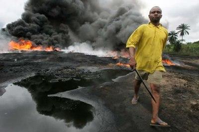 https://i1.wp.com/sweetcrudereports.com/wp-content/uploads/2011/09/Ogoni-spill.jpg?resize=400%2C266