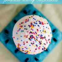 The Easiest Way to Frost a Cupcake Ever!