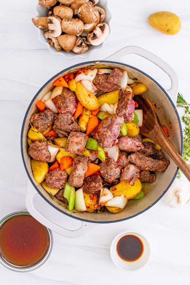 picture of meat and vegetables in a pan