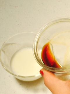 4. Pour the vanilla into the small bowl with the cream